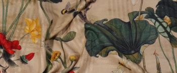 strukturierte Seide - Blumen und Schmetterlinge