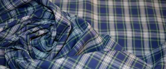 feine Blusen- und Hemdenqualität - kariert