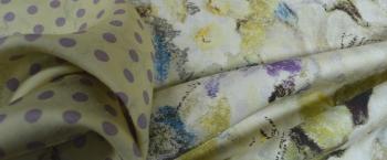Seide - Floralmotiv und polka dots