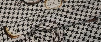Seide - Taschenuhren auf Hahnentritt