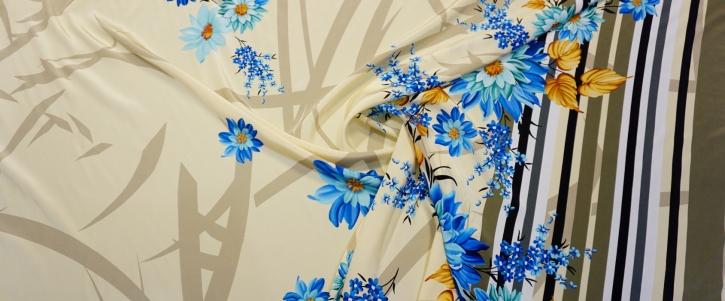 Seidencrepe - Blumen mit Bordüre