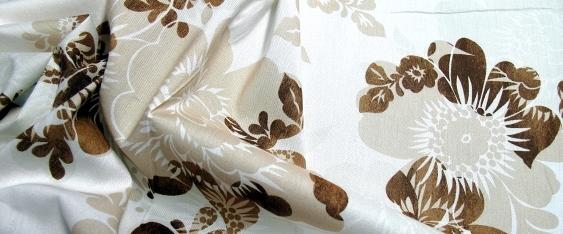 Baumwollstretch - Blütenmotiv