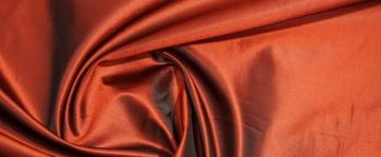 Seide - rot-schwarz changierend