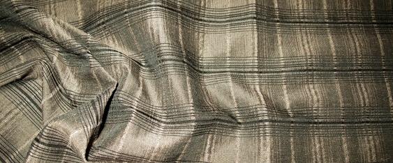 Schurwolle - braun und schwarz