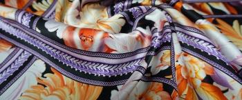 Satin – Blumen mit Bändern