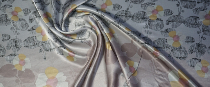 Seidensatin - rosa und graues Muster