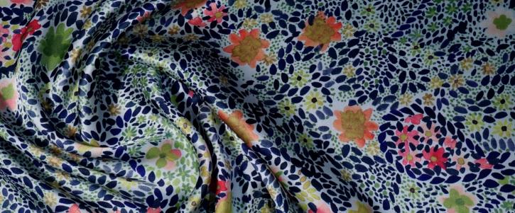 Seidensatin - Blumenwiese mit Paisley
