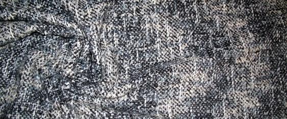 Rest Schurwollmischung mit diagonalem Motiv