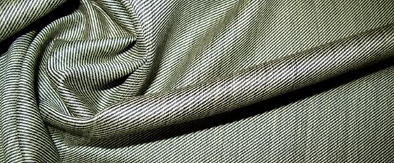 Schurwolle - grau/beige