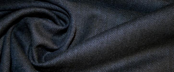 Schurwolle, schwarz-blau
