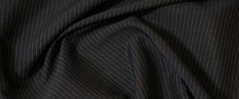 Schurwolle schwarz mit feinen Nadelstreifen