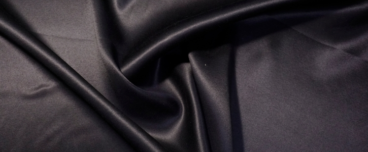 Schurwolle - schwarz satiniert