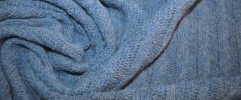 Wollstrick mit Zopfmuster