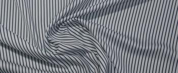 satiniertes Polyester - blaue Streifen