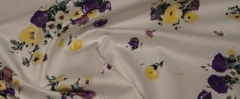elastischer Baumwollsatin - Blumen auf weiß