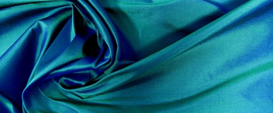 Wildseide, blau-grün changierend
