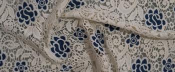 Spachtelspitze - weiß mit blau