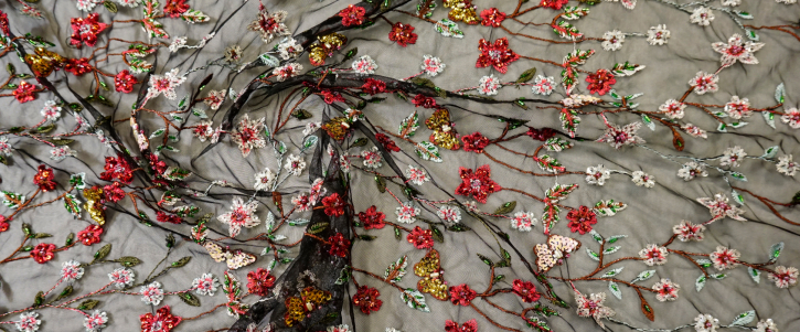 bestickter Tüll - Schmetterlinge und Blumen
