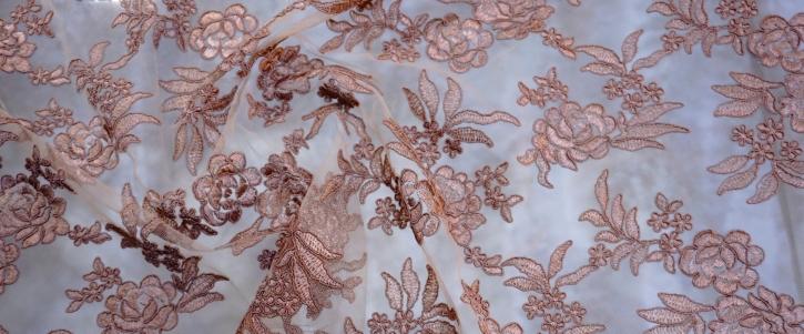 florale Spitze - hellbraun