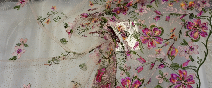 französische Spitze - bunte Blumen