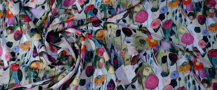 Viskose - grün mit Blumen