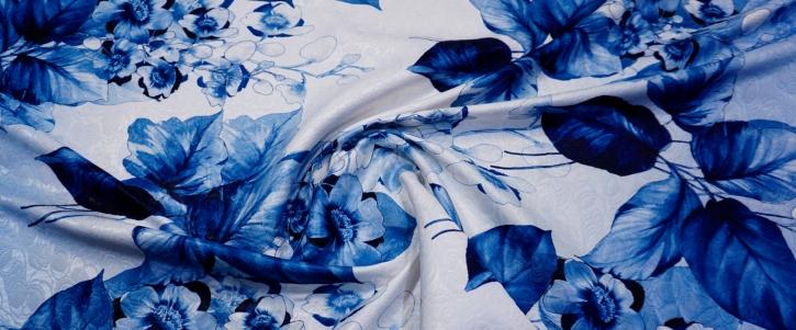 Viskosecloque - blau auf weiß