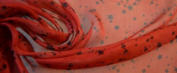 Chiffon, schwarze Sternchen auf rot