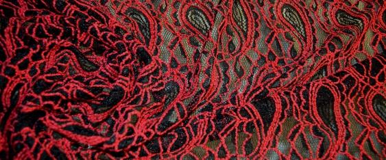 Rest Netztüll - schwarz und rot