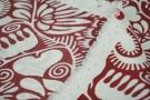 Seidentwill - weiße Blumen auf rot
