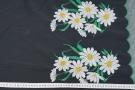 bestickte Seide - schwarz mit weißen Blumen