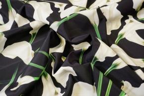 Seidenstretch - weiße Calla auf schwarz