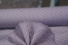 Baumwolle - weiß mit mattem lila