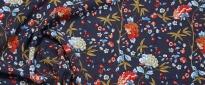 Viskose - Blumen auf dunkelblau