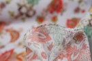 Viskosecrepe - floraler Print auf hellblau