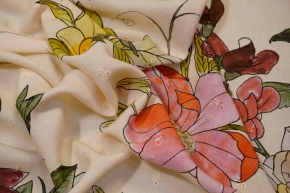 Viskose mit Lochstickerei und Blumen
