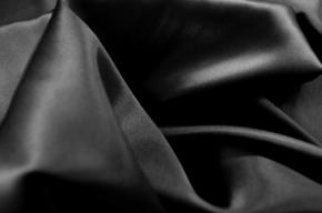 Satin in Stretchqualität - schwarz