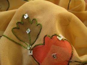 Kunstfaser, bestickt mit Pailletten